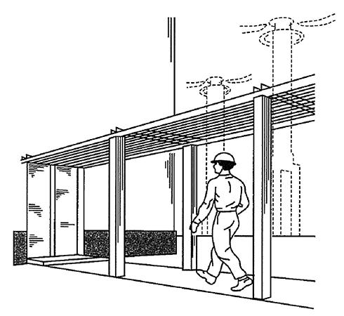 Экранирующий металлический решетчатый навес над проходом для защиты от воздействия электромагнитных полей промышленного диапазона частот